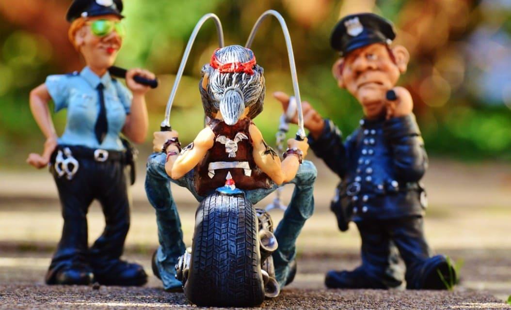 Изображение - Имеет ли право инспектор дпс проверять багажник Otkaz_vypolnit_trebovanie_sotrudnika_policii_voditelem